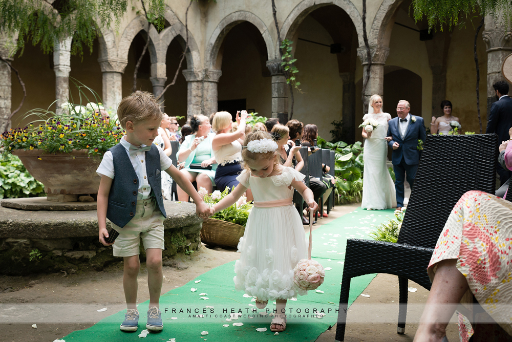 Wedding ceremony at San Francesco cloisters