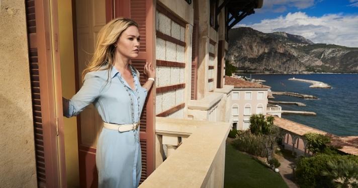 Julia Stiles protagoniza Riviera, lo nuevo de Movistar Series Xtra