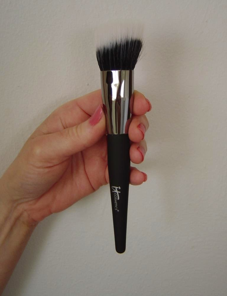 IT Cosmetics Airbrush Creme Brush.jpeg