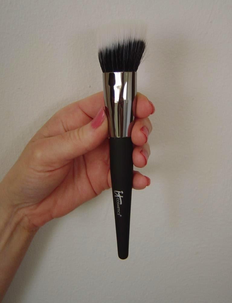 IT Cosmetics Airbrush Creme Brush.jpeg