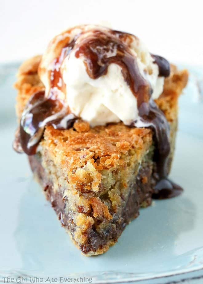 CHOCOLATE CHIP PIE #Chocolate #Chip #Pie #Cookies #ChocolatePie #Dessert
