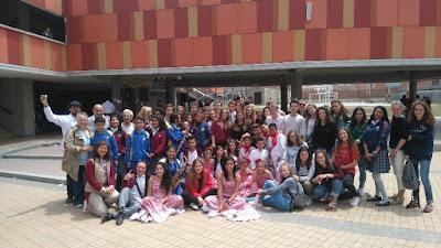 Photo de groupe au collège de Soacha