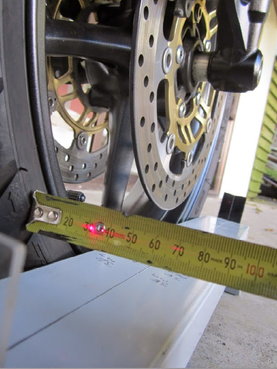 Confessions of an Ageing Motorcyclist: Wheel alignment