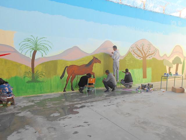 Οι έγκλειστοι ζωγραφίζουν την ελπίδα στους τοίχους του Καταστήματος Κράτησης Ναυπλίου