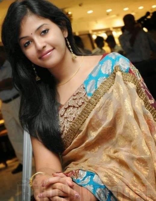 Sexy indian girls in sarees