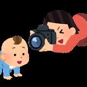 子供の写真を撮る母親のイラスト