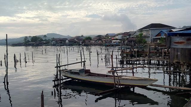 Foto 1 : Small Dock, Sebuah Dermaga Kecil di Pinggiran Danau Matano