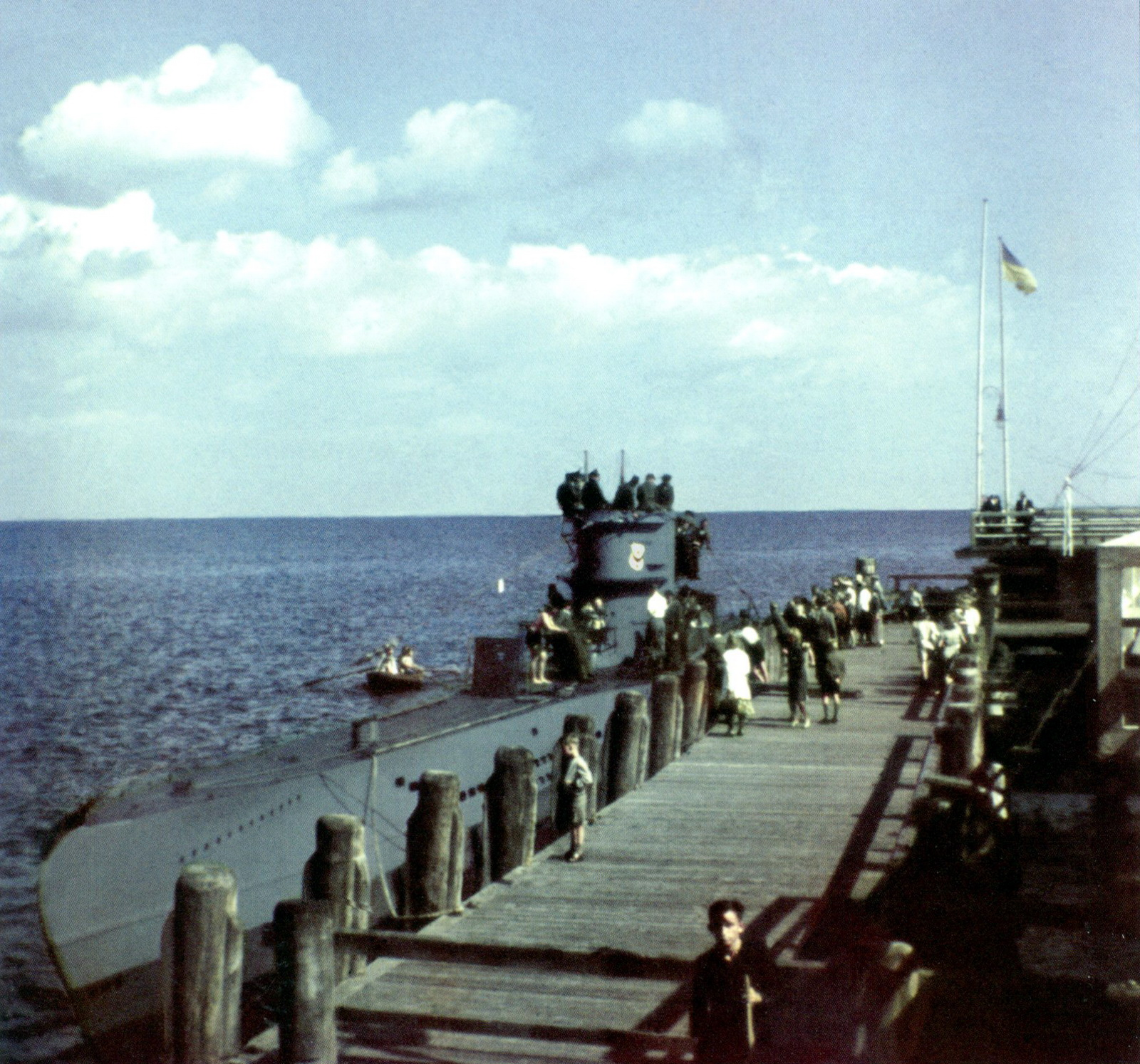 Color%2BGerman%2BU-boat%2Bsubmarine%2BKriegsmarine%2BNavy%2BNazi%2BU-403%2BZoppot%2BDanzig%2BBay.jpg