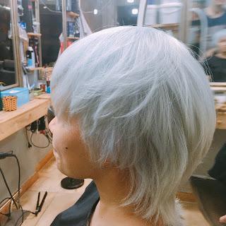 Nhuộm tóc từ màu Đen thành Trắng Bạch Kim cần lưu ý những điều gì?