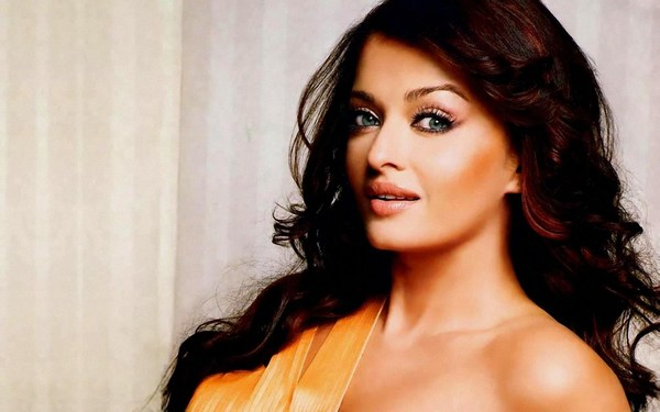 Gorgeous Aishwarya Rai hot Photos