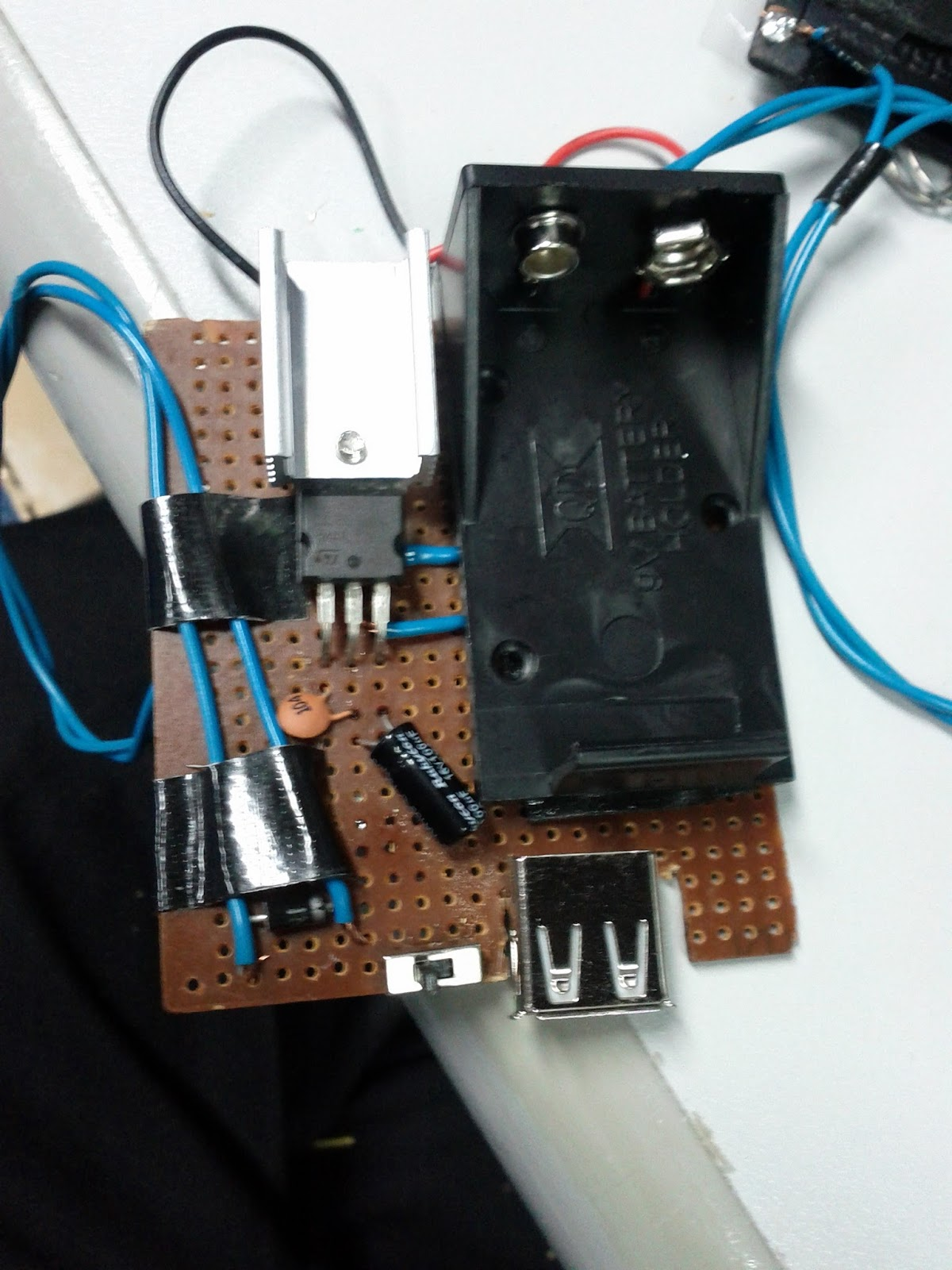 Simple Solar Charger Circuit Can Be Constructed Using This Circuit