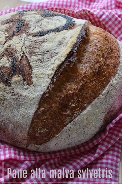 pane a lievitazione naturale cotto in pentola