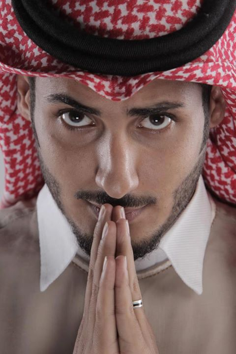 تم نقل المدونه صور شباب سعوديين روعه للتصميم بشماغ 2014