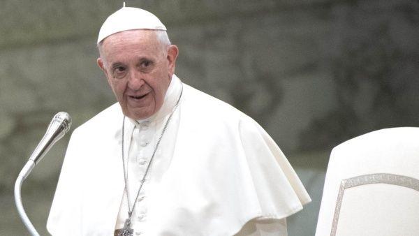 Papa Francisco: No responderé a acusaciones de abuso sexual