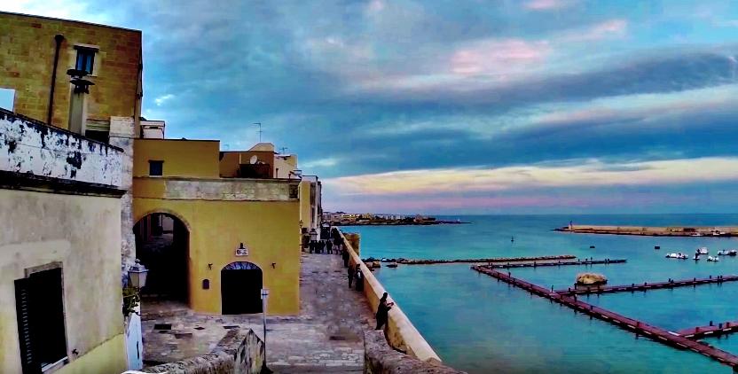 Centro storico di Otranto veduta del porticciolo