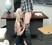 estudante do sexo fodendo na escola
