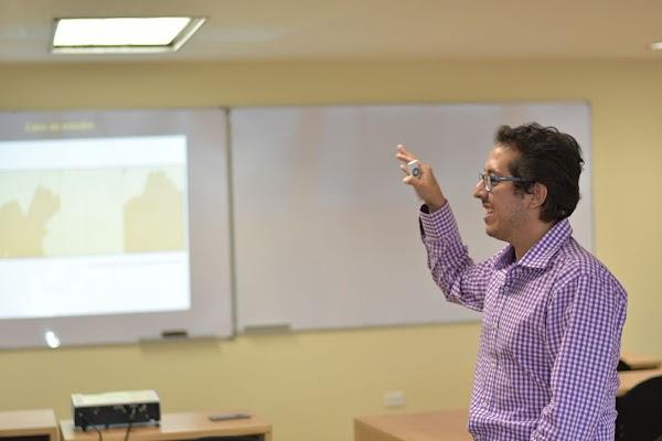 Pablo Cabrera-Barona, profesor de la USFQ, recibió el premio 'Young Researcher Award in GIScience 2018'