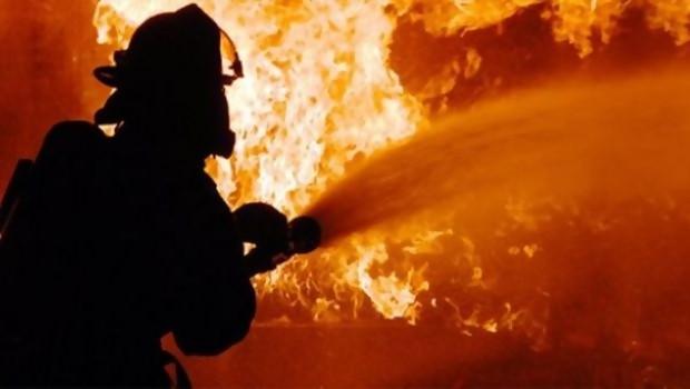 Ruang anggota PAN di lantai 20 gedung DPR terbakar