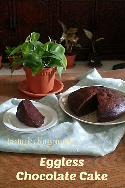Eggless Chocolate Cake 2 Recipe  @ treatntrick.blogspot.com