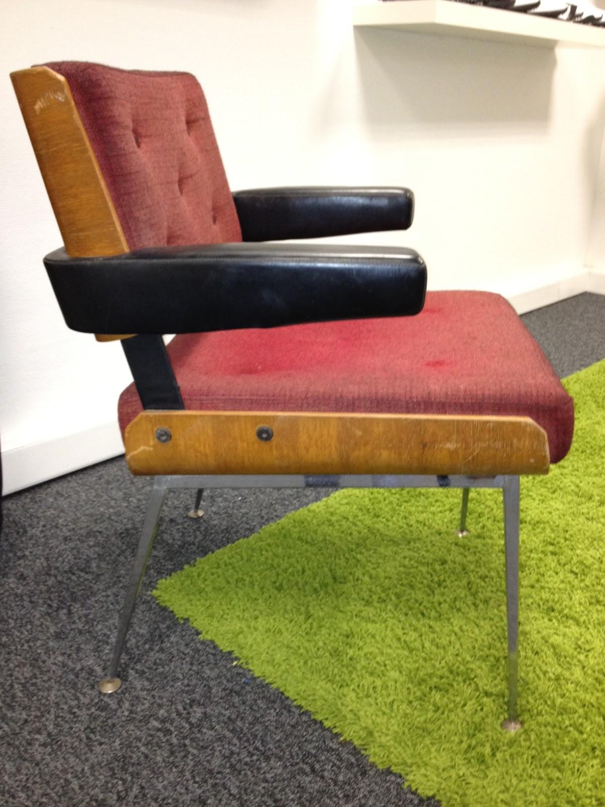 brocandesign fauteuil style scandinave rouge. Black Bedroom Furniture Sets. Home Design Ideas