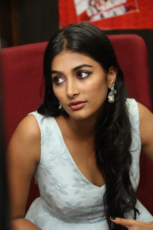 Pooja Hegde Latest Unseen Hot Photo- Mohenjo Daro Actress -5605