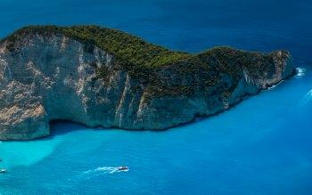 Wallpaper: Shipwreck Beach in Zakynthos