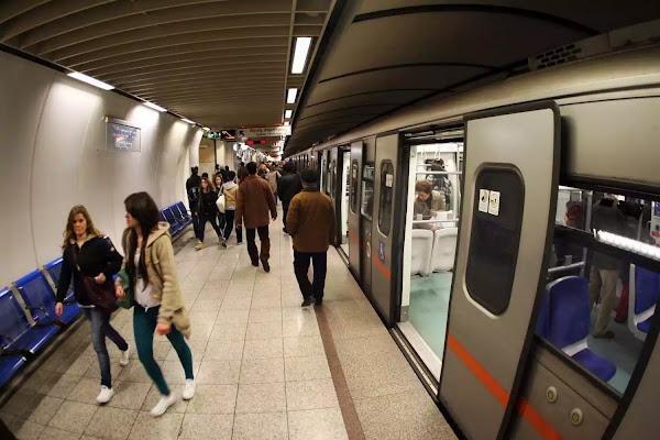 Νέο ηλεκτρονικό εισιτήριο για μετρό και ΟΑΣΑ: Αγορά από κινητό και πληρωμή με κάρτα