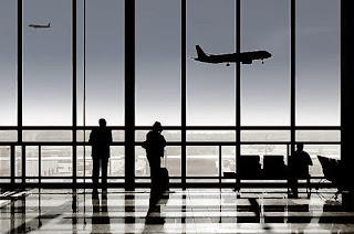 terminalden ayrılan insanlar