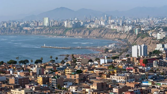 La Red Dorsal de Perú debe ser un modelo a evitar en México