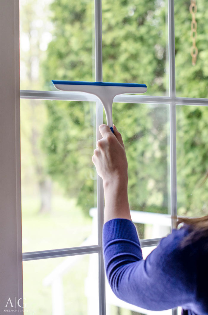 Ever wonder what you need to do to get your windows sparkling clean?  Check out this post for the tips and tools that you'll need.  #cleaning #cleaningtools #homekeeping #andersonandgrant