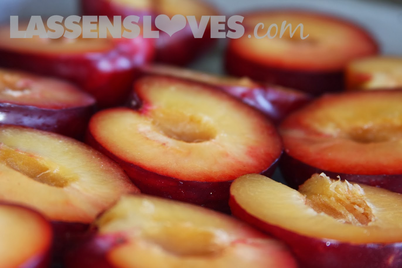 lassensloves.com, Lassen's, Lassens, spiced+baked+plums, organic+plums