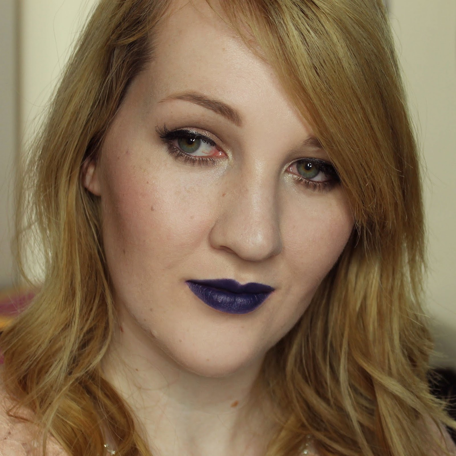 Kat Von D Studded Kiss Lipstick - Poe Swatches & Review