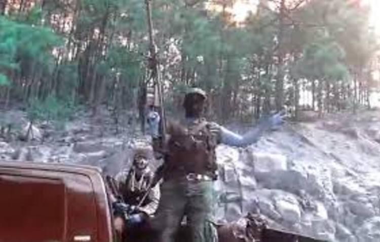 Convoy de 16 vehículos con sicarios se enfrentan en Yécora, Sonora