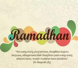 Di bulan ini kita merasakan suasana nikmat dalam ibadah 30 Pantun Bulan Ramadhan Idul Fitri Ucapan Selamat Puasa Bergambar