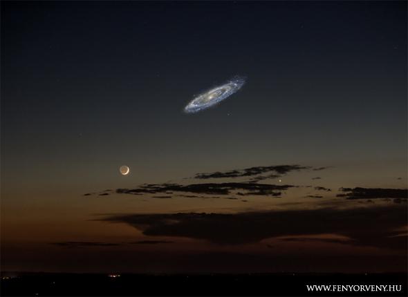 Ilyen lenne az Androméda-galaxis a Hold mellett, ha közelebbről láthatnánk