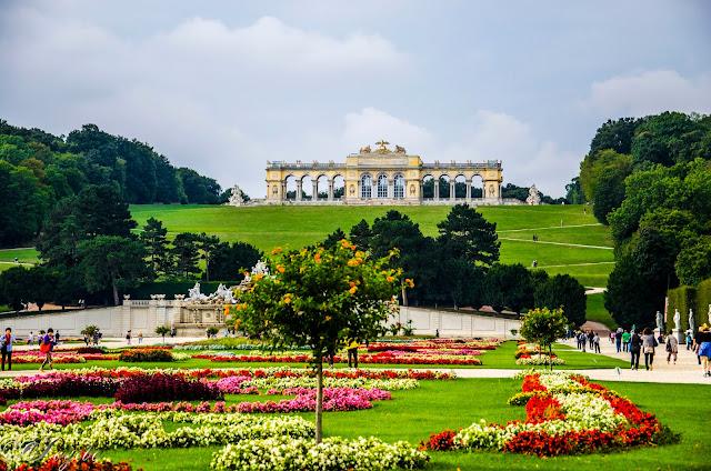 Парка-на-Шьонбрун-Schönbrunn-Park