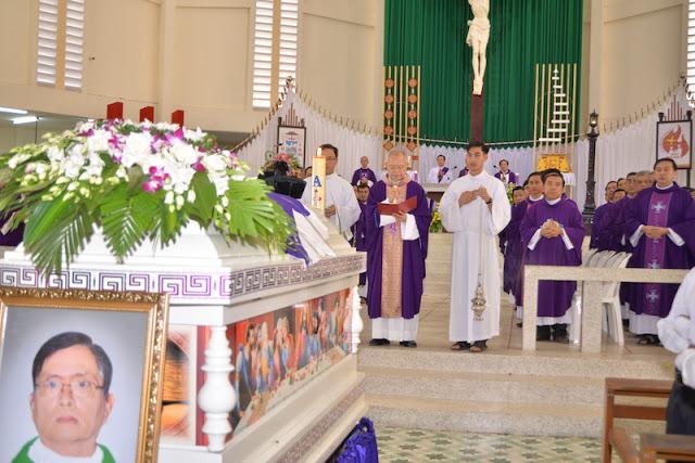 Thánh Lễ an táng Cha Phêrô Bùi Thanh Xuân - Gp Vĩnh Long - Ảnh minh hoạ 12