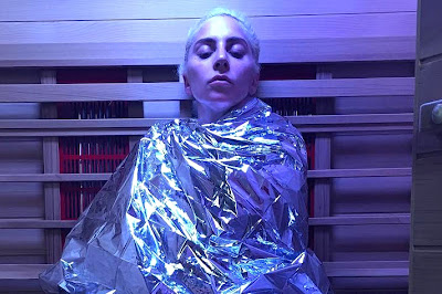 Lady Gaga fazendo tratamento para fibromialgia
