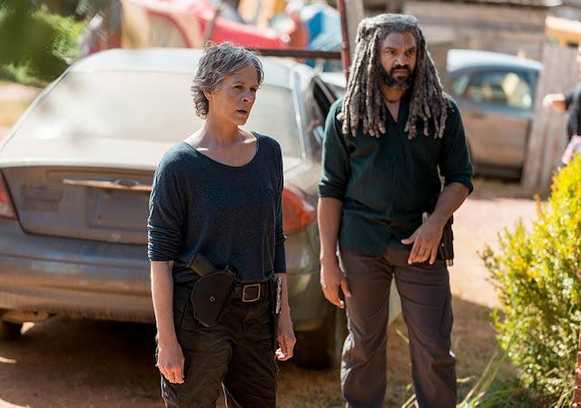 Carol Peletier (Melissa McBride) ed Ezekiel (Khary Payton) nell'episodio 13