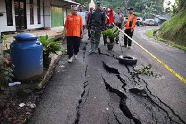 BPBD Pantau Penanganan Kasus Tanah Bergerak di Sukabumi