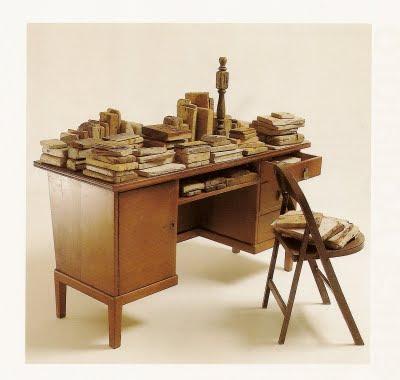 Mi escritorio, 1997. 250 X 250 X 300 Ctms.