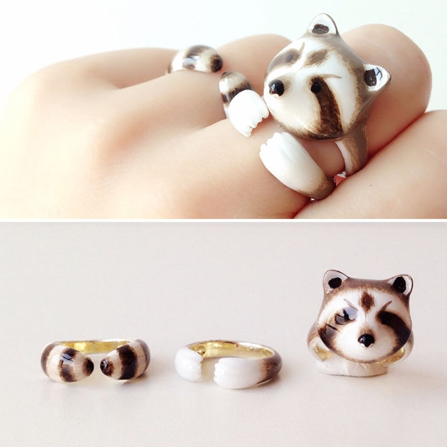 09-Raccoon-Mary-Lou-Three-Piece-Animal-Jewellery-Rings-www-designstack-co