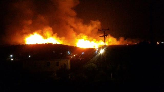Ανεξέλεγκτη πυρκαγιά με αέρα 9 μποφόρ στην Κεφαλονιά – Αναμένεται εντολή για εκκένωση χωριού