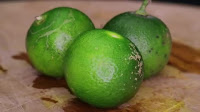 fruit around the world, strange fruit, strange fruit around the world, crazy fruit, crazy fruit around the world, CALAMANSI LIME
