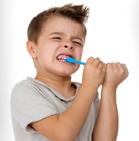 EVERYONE MAKES MISTAKES MISTAKES WHILE BRUSHING