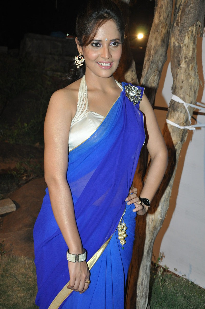 Dressing Below Navel Saree: Anchor Anasuya Spicy Stills