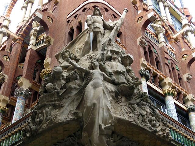 """""""La canción popular catalana"""" (The Catalan Folk Song) by Miguel Blay, Palau de la Música Catalana, Carrer de Sant Pere Més Alt, Barcelona"""