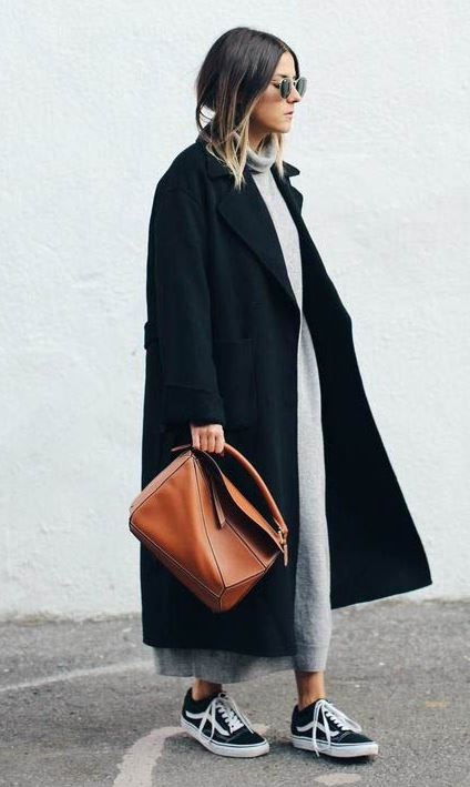cozy outfit idea / black coat + sneakers + brown bag + maxi sweater dress