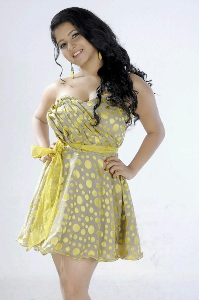 Subha punja hot photos