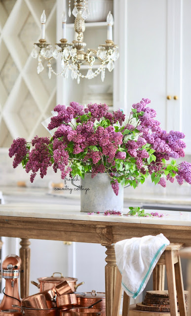How to keep your lilacs from wilting after cutting them
